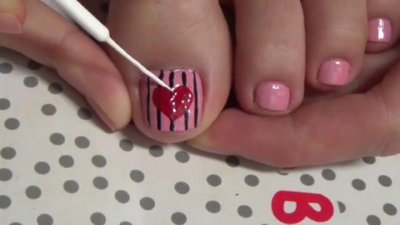 Toe Nail Art Application.