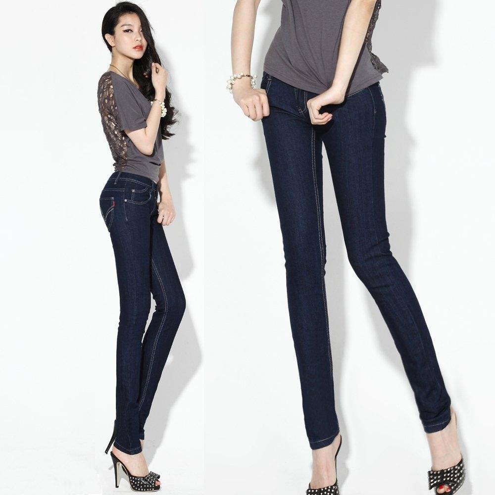 The model in Skinny Jeans.