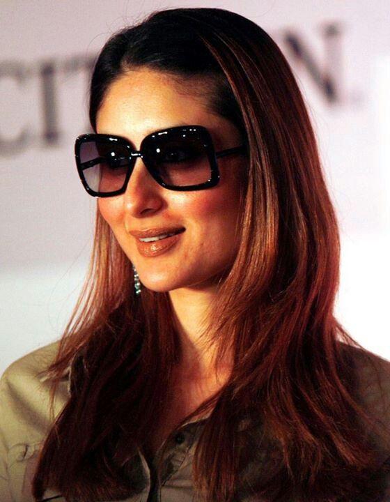 Actress Kareena Kapoor Khan is looking amazing in Sunglass.