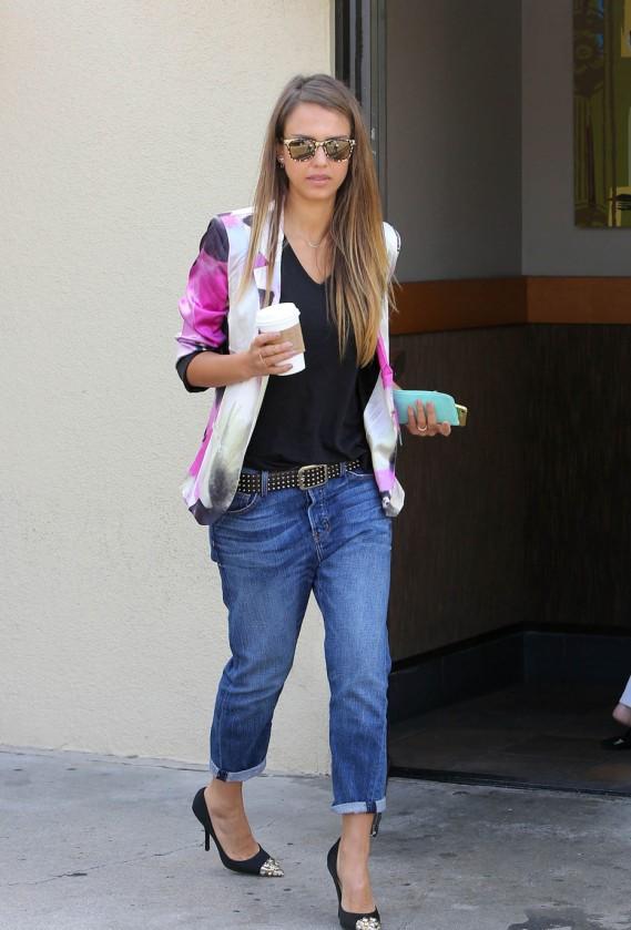 Jessica Alba in Los Angeles in boyfriend Jeans.