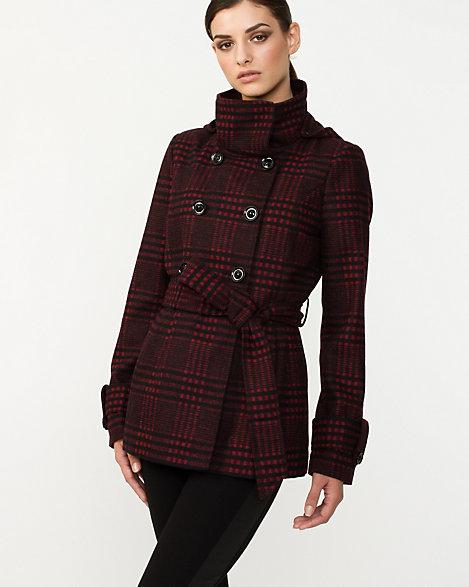 Coat for rectangular-shaped women